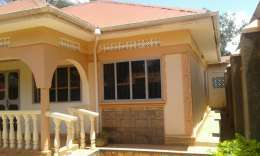 3bedrooms house for rent in kireka