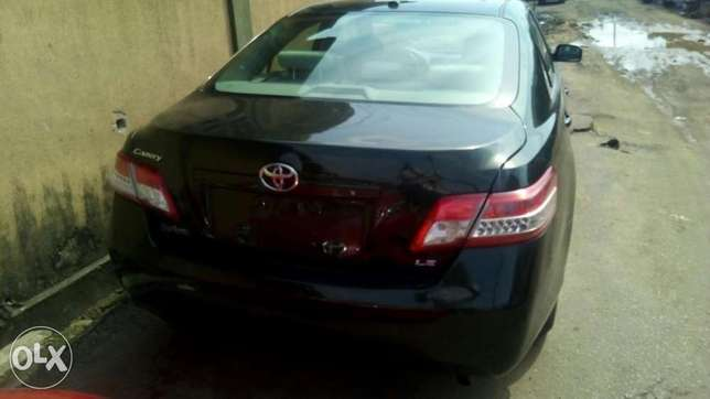 Flawless condition 2010 camry Isolo - image 4