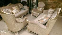 Quality royal turkey chair by seven with center table