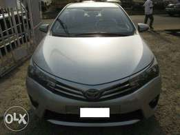 Super clean Toyota corolla 2014(brought brand new)