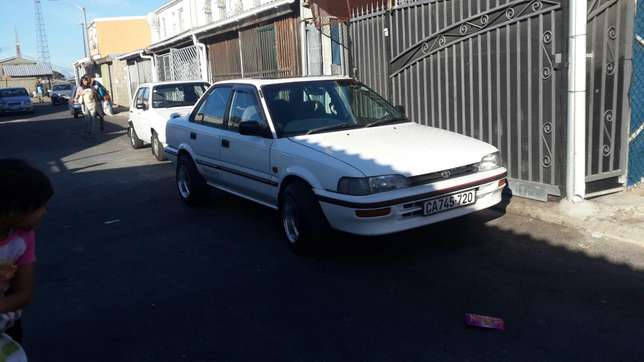 Toyota Corolla 160i 16v Cape Town Int Airport - image 3