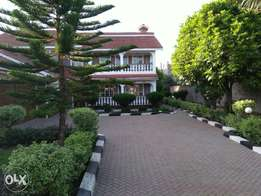 Very decent 5 bedroom house near Olerai, few metres from the road