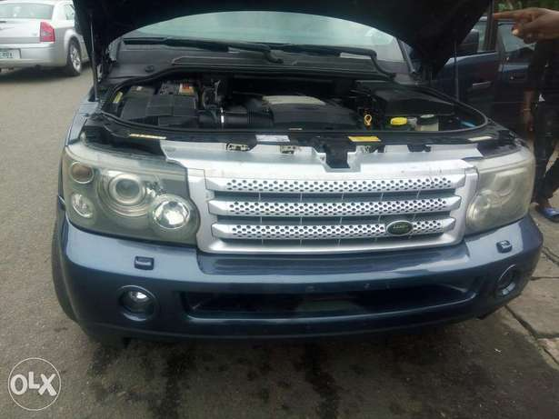 Fairly used range rover in a very sound and perfect condition Port-Harcourt - image 5