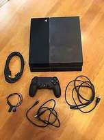 Ex-Uk PS4 with one pad in Mint condition.