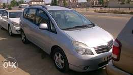 Clean Tokunbo Toyota Corolla 04 hatch back verso