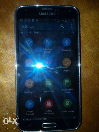 I need iphone 5s to swap my Samsung s5 Jos South - image 1