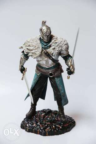 Dark Souls for ps3 + Dark Souls 2 Action figure