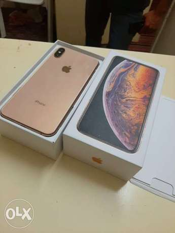iPhone XS Max 256gb with box and all accessories original with warrant