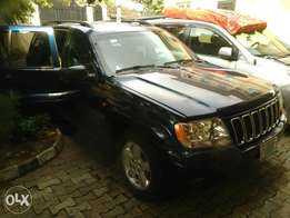 Jeep Grand Cherokee 2003 model Registered