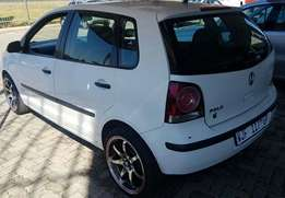 2009 polo trendline 1.4i with mags got 140000km accident free