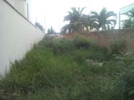 prime plot of 1/4 an acre for sale in nyali