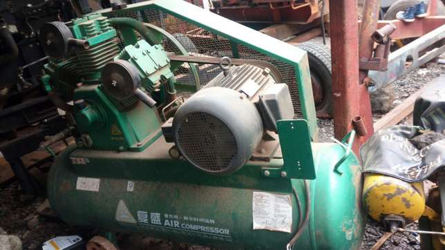 Air compressor with big air receiver new Air Base - image 1