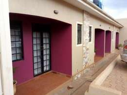 Executive double room for rent in mutungo/mbuya at 450000/: