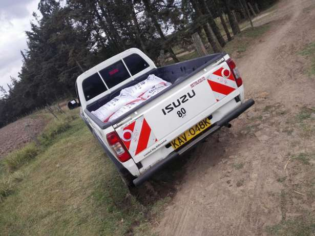 Quick sale! Isuzu dmax pickup KAV with turbo available at 1m asking! Naivasha - image 3