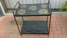 Tea trolley black and gold