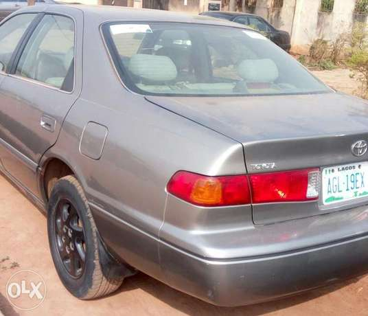 Toyota Camry 2000, just 3/ month used very clean and sharp Lagos Mainland - image 4