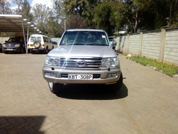 Toyota Landcruiser Vx 2005 Model In immaculate Condition Karen - image 3