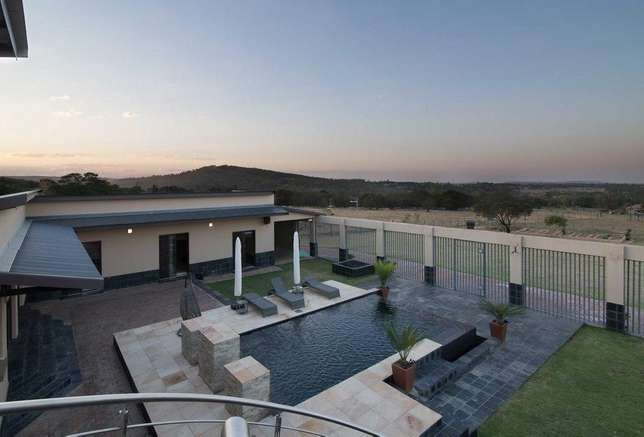 A Life Of Style, Entertainment And Tranquillity Zwaveldspoort - image 6