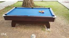 Pool table almost new snooker board