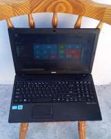 ACER TRAVELMATE P453 (intel core i5 cpu) R3,300