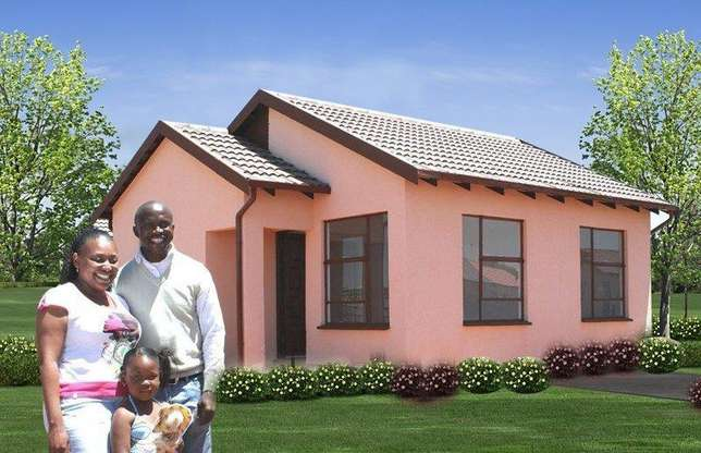 Houses for sale in lenasia Soweto - image 4