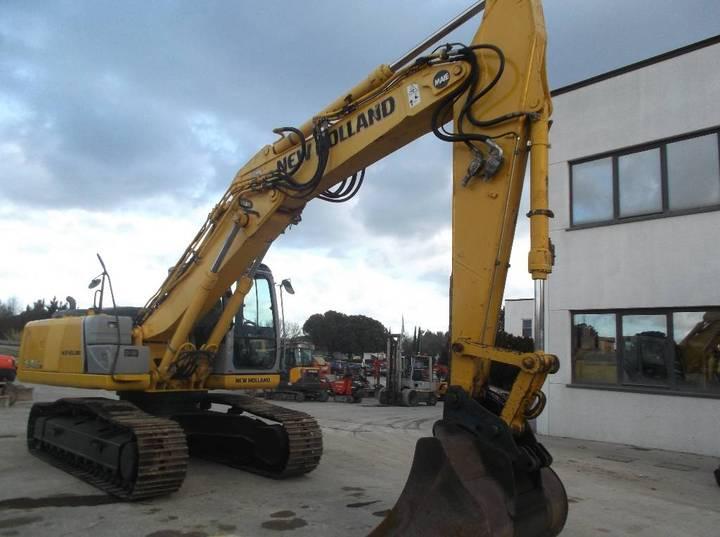New Holland E245b - 2010 - image 3
