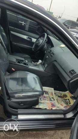 Foreign used 2009 Mercedes Benz C300. Direct tokunbo Apapa - image 3