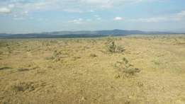 1000 acres mombasa road at sultan hamud town