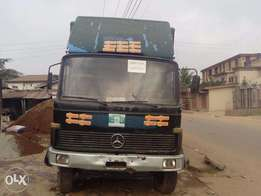 Fairly Used Mercedes Benz Truck for Urgent Sale