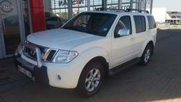 Powerful Nissan Pathfinder 4.0 V6 for sale!
