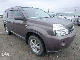 Gray Brown 4WD Nissan Xtrail