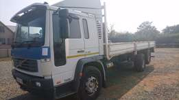 2006 Volvo FL250 14T With Lifting Tag Axle