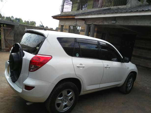 Toy Rav 4 2006 model 2400cc Nairobi CBD - image 2