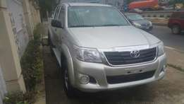 Toyota Hilux 4×4 4WD (2014) #AWOOFmotors
