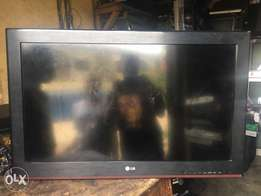 Fairly used 32 inch LG LCD