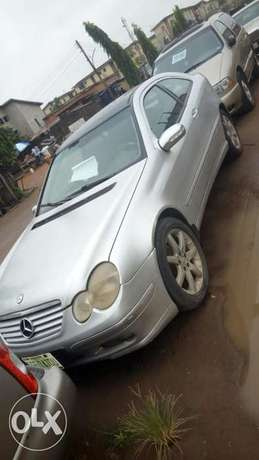 Benz C200 compressor in a good working condition Mosan/Okunola - image 1