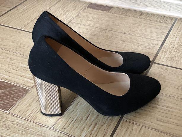 Продаються туфлі  900 грн. - Жіноче взуття Самбір на Olx 6da6a1dffb304