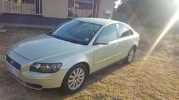 volvo s40 in mint condition