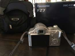 Panasonic LUMIX Camera DMC - FZ7