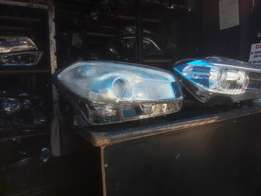 Good condition clean Nissan Qashqai RHS headlight(xenon for sale