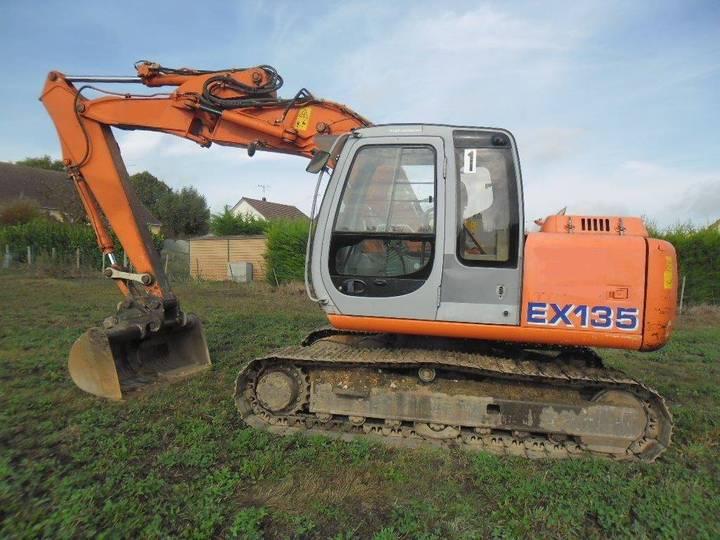 Hitachi Ex135 - 2001