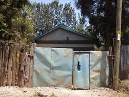 commercial plot in kahawa wendani with a 2bedroomed house 7.5m