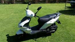 Big Boy 150cc white scooter for sale