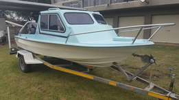 Cabin boat with 40hp trim and tilt