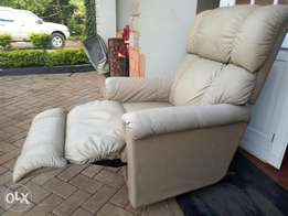 Recliner leather seat