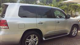 Land cruiser ZX V8 2015 brand new