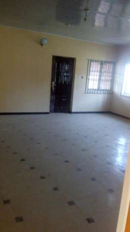 Executives new 2bedroom 230k and 3bedroom flat 350k with 4t at igando Igando/Ikotun - image 3