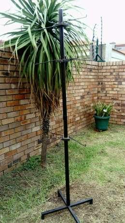 Tall Display Stand with 12 detachable hooks Witbank - image 5