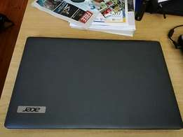 Acer Aspire 5733 Core i3 on sale very neat condition