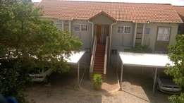 Fourways - Immaculate 2 bedroom apartment available R7800